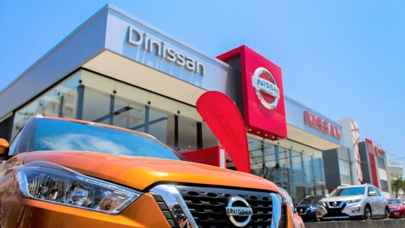 Nissan reabre concesionarios y talleres