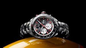 TAG Heuer lanza dos cronografos especiales en homenaje a Senna