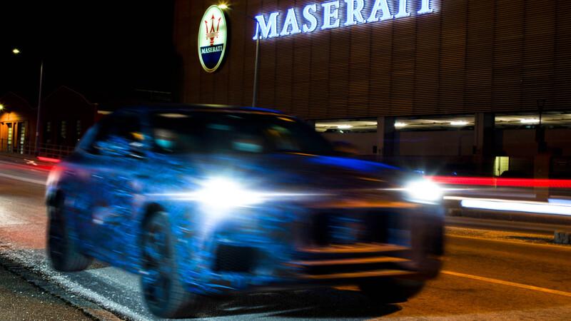 Maserati Grecale va saliendo a la calle