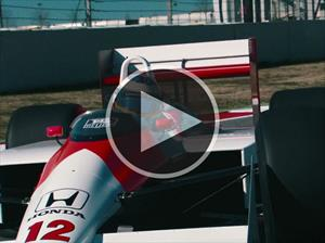 Video: Fernando Alonso maneja el McLaren de Ayrton Senna