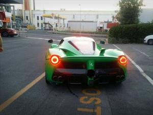 Jay Kay adquiere una exclusiva LaFerrari color verde
