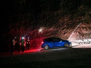 Video: Ford Fiesta ST estira sus piernas en un tunel minero