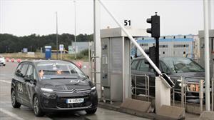 Vehículo autónomo pasa prueba para cruzar peajes