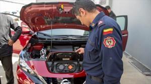 Nissan enseña a atender emergencias que involucren autos eléctricos