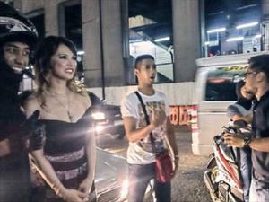 Actriz porno chocó su carro en Filipinas