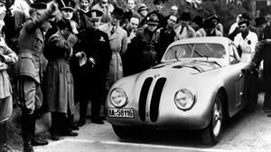 BMW celebra 80 años de su victoria del icónico rally Mille Miglia