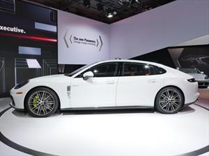 Porsche Panamera V6 y Executive 2017 se presentan