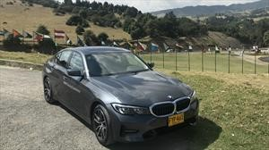 BMW Serie 3 330i, el sedán deportivo que ya rueda en Colombia