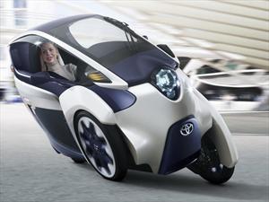 Toyota EV i-ROAD, la movilidad citadina del futuro