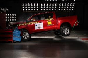 Nueva Toyota Hilux logra 5 estrellas en pruebas de seguridad