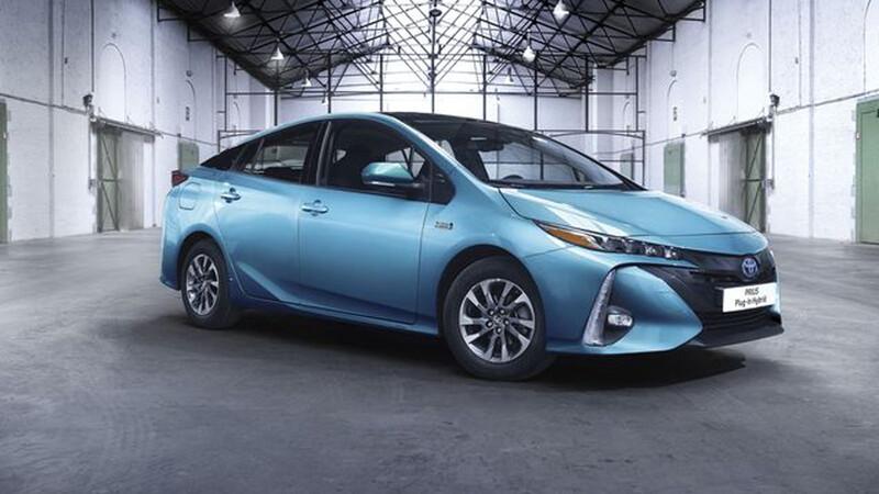Toyota Prius estrena nueva versión híbrida enchufable para 2021