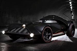 Este es el carro de Darth Vader by Hot Wheels