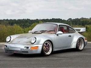 Sale a subasta un exclusivo Porsche 911 Carrera RSR 3.8
