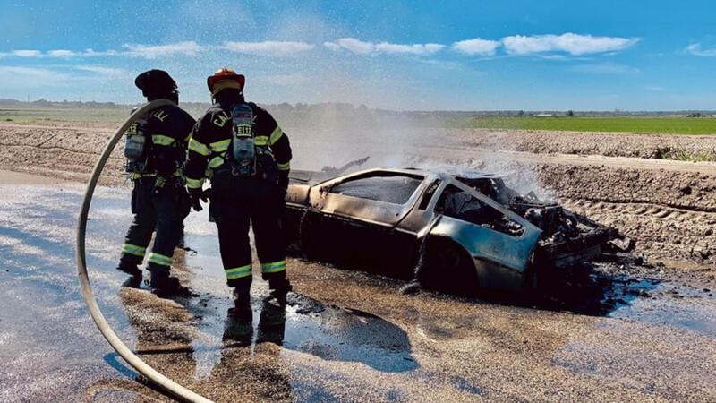 Condensador de flujo provoca el incendio de un DMC DeLorean