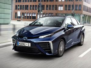 Toyota Mirai recorre 100,000 Km