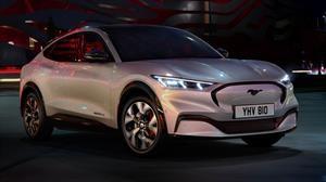 ¿Se viene un Mustang híbrido con silueta SUV y con tracción total?