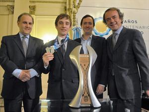 Iveco presenta la copa del Torneo Clausura 2012