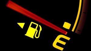 ¿Cuánto dura la reserva del tanque de gasolina de un automóvil?