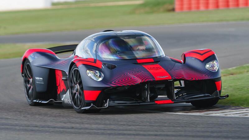 Aston Martin Valkyrie demuestra en pista las capacidades de sus más de 1,100 hp