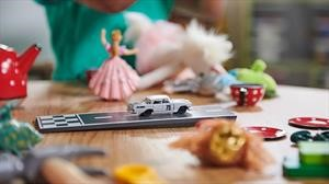 Carro de Ewy Rosqvist se transforma en juguete para derribar estereotipos