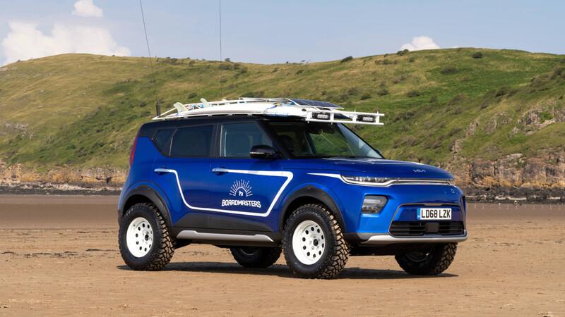 KIA te arma un auto 100% a batería para ir a surfear