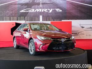 Toyota Camry 2015 llega a México desde $326,600 pesos