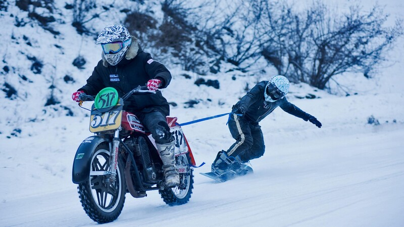 En temporada de frío te decimos cómo conducir con tu moto