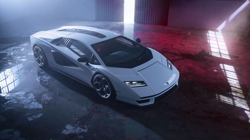 Lamborghini Countach LPI 800-4, volvió la leyenda