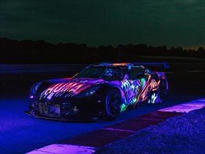 Un Corvette C7R pintado con comics fluorescentes competirá en LeMans