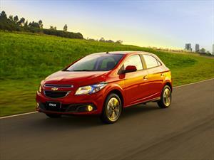 Chevrolet pega primero en 2016 y presenta el Onix desde $44'990.000