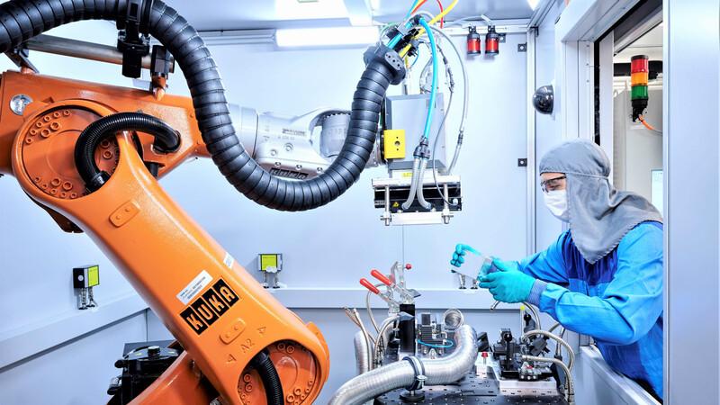 BMW Group tendrá una planta para fabricar celdas de batería para autos eléctricos