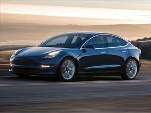 Bajan las reservas por el Model 3 de Tesla