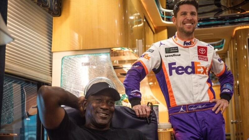 Michael Jordan llega al NASCAR