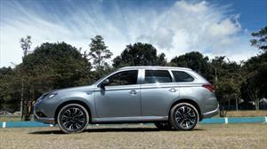 Test drive Mitsubishi Outlander PHEV, un líder en movilidad híbrida