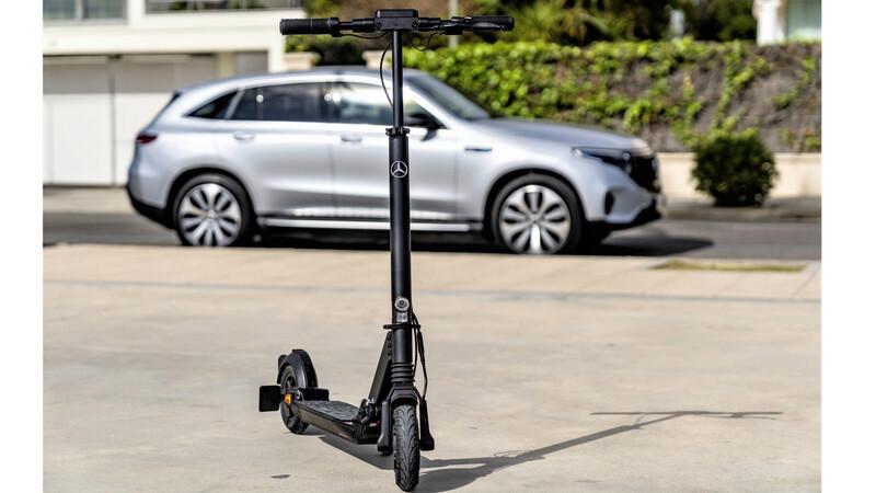 Mercedes-Benz se suma a la moda de los eScooter