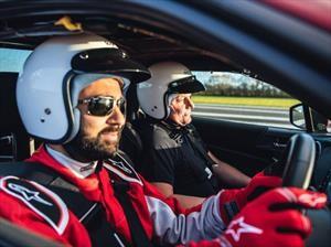 Piloto ciego logra inédito récord de velocidad en una pista