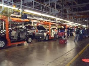 Ford anula inversión en México tras presión de Trump