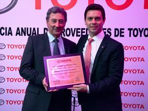 Toyota Argentina premió a Bridgestone como Mejor Proveedor del Año