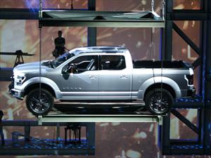 Ford Atlas Concept sale a la luz