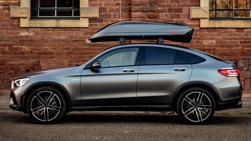 Mercedes-AMG ofrece un portaequipajes de techo especifico para sus modelos; vale 50,000 pesos