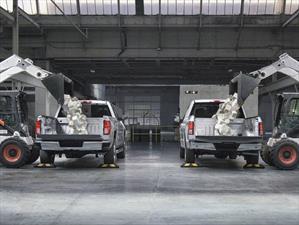 Chevrolet Silverado vs Ford F-150 ¿cuál es la más resistente a los golpes?