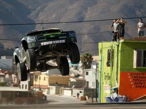 Video: BJ Baldwin maneja una pick up de 850 hp en Ensenada