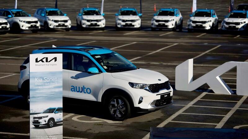 Kia entrega 30 unidades del Sonet a Awto