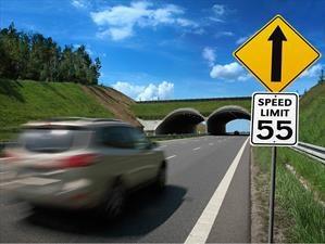 Peligros al conducir con exceso de velocidad