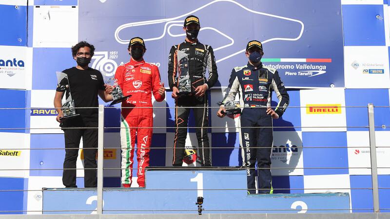 Pole y doble podio de Sebastián Montoya en Fórmula 4