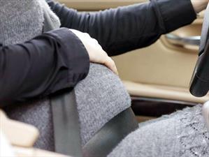 10 consejos para conducir durante el embarazo