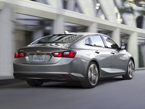 Chevrolet Malibu Hybrid 2016 ofrece un consumo promedio de 46 mpg
