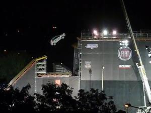Fiat Punto falló salto de 20 metros