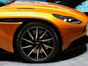 Bridgestone calzará el Aston Martin DB11 2016