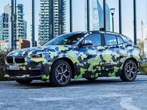 La BMW X2 pasea camuflada por el Fashion Week de Milán